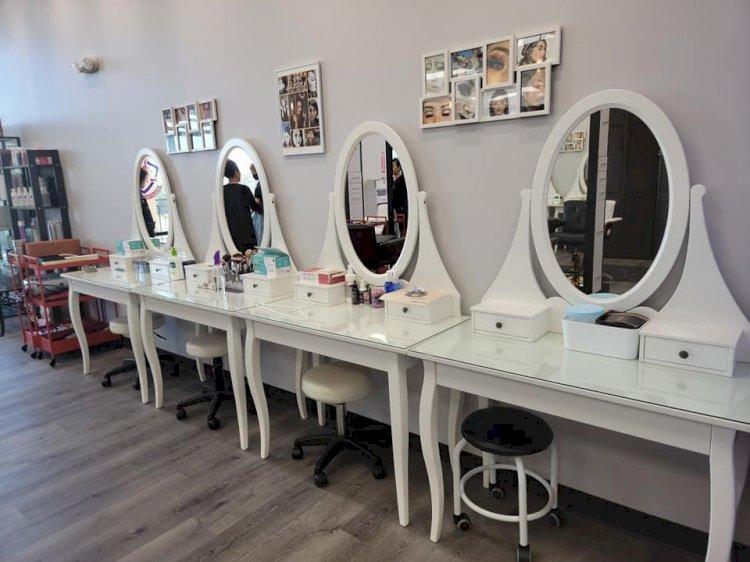 Beauty School Dressing Area